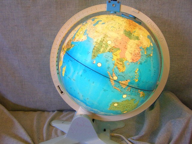 Fisher Price globe w/ view finder