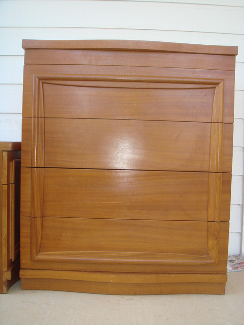 Vertical dresser - BEFORE
